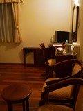 椅子と机周辺