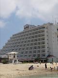 ビーチからのホテル外観♪