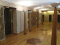 地下一階のエレベーターホール