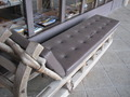 玄関前のベンチ