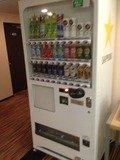 エレベーター前自動販売機
