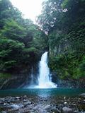 神秘的な早朝の大滝2