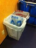 廊下のゴミ箱