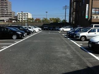 ホテルから徒歩1分の提携駐車場