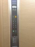 エレベーター内の操作板