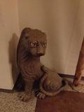 一階廊下の飾り物