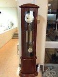 ロビーの振り子時計
