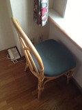 部屋の椅子