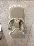 一階ロビーのユニバーサルトイレ 赤ちゃん用椅子
