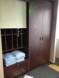客室階 エレベーターホールの呼び枕とパジャマ置き場