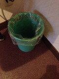 ロビー横のトイレ。ゴミ箱