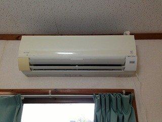 部屋のエアコン