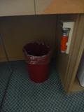 テーブル下のゴミ箱