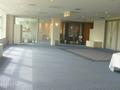 7階奥の広い廊下