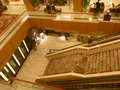 1階へ降りる正面階段(3階より撮影)
