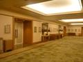 2階の宴会場フロアの廊下