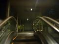地下道からホテル1階に上がるためのエスカレーターは常時稼働