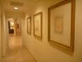 1階共用トイレからロビーにでる廊下