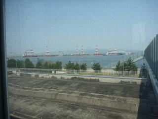 大阪南港の海