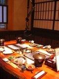 夕食は囲炉裏のある個室