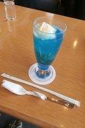 真っ青なクリームソーダ