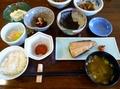 手作り和食の朝食が美味しい宿