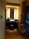 客室露天風呂の隣の洗面所です。