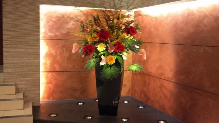 ホテルの1階のお花