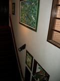 階段にも絵がいっぱい