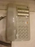 3階エレベーターホールの館内電話
