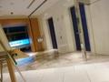 25階レストラン階のエレベーターホール