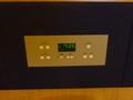 ベットサイドの時計、アラームと各種スイッチ