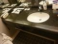 使いやすい広い洗面台