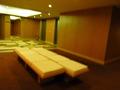 「茶室 聴松庵」のそばのエレベーターホール