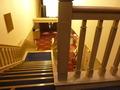 こちらの階段を降りるとレストランです