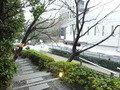 ホテル構内を出て右手方向に歩くと地下鉄、神谷町駅