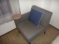 シングルルームのソファー