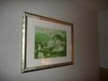 ユニバーサルスタジオの絵だって壁にかかっています
