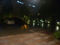 ホテル前の屋外駐車場