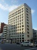 ホテル全景(新宿通りからの眺め)