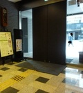 ホテル入口の自動ドア(ホテル内より)