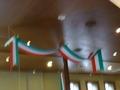 イタリアンレストランのレジ上のリボン飾り