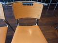 1階カフェラウンジハイマートの椅子