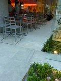 1階カフェ Virgin Cafe & Pub Houseのオープンテラス席