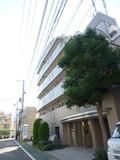 祐天寺駅から来た時に見える、ホテル風景