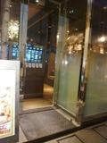 レストランbuta-kuの 道路に面した入口