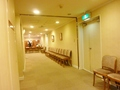 5階 宴会場 ロビーの待合イス