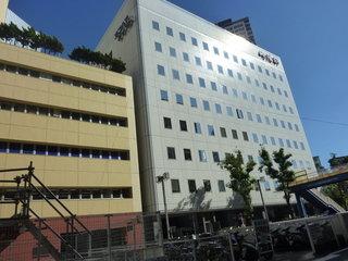 左がホテル、右が、崎陽軒本社ビル