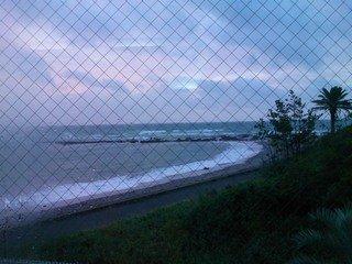 台風近し・・・