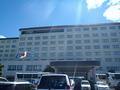 駐車場から見たホテル外観